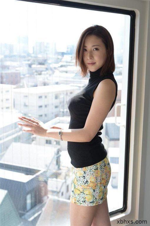 IPX-493松下纱荣子升职做上司以后欺负男同事