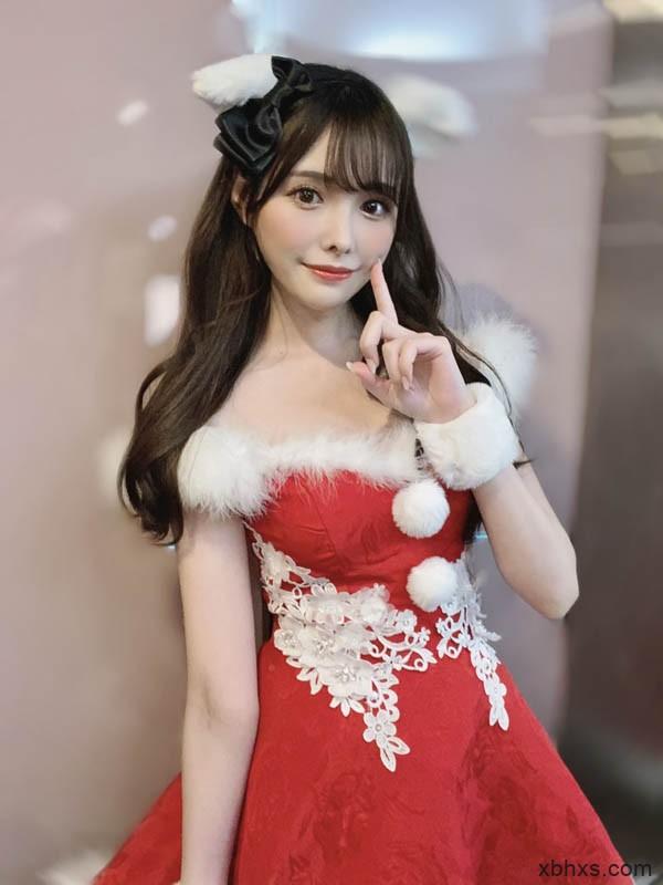 长腿美少女「桥本有菜」生日圣诞一起过,「超甜美装扮」粉丝看到就是赚到!