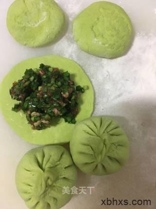 烤箱版韭菜肉包子最正宗的做法 家常烤箱版韭菜肉包子的做法