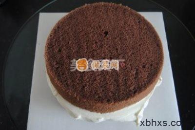 巧克力奶油蛋糕怎么做好吃 巧克力奶油蛋糕的家常做法