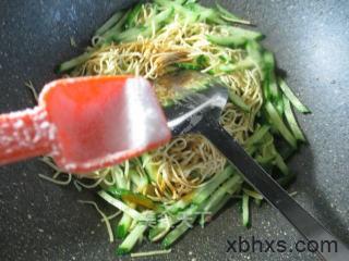 怎么做青瓜炒干丝最好吃 青瓜炒干丝怎么做好吃