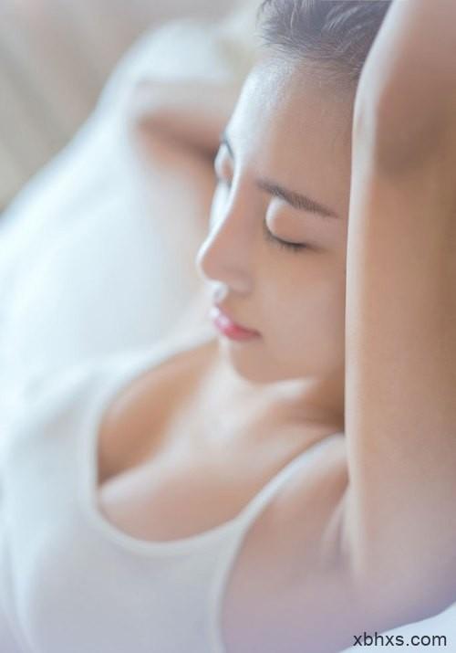 吃奶小说,枕头垫在腰下插的深