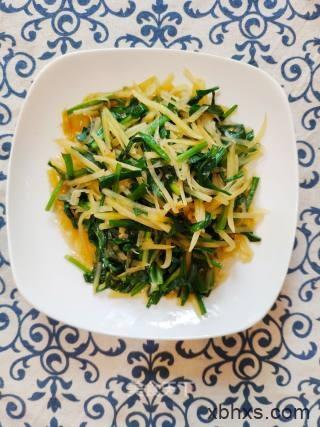 土豆丝炒韭菜最正宗的做法 家常土豆丝炒韭菜的做法