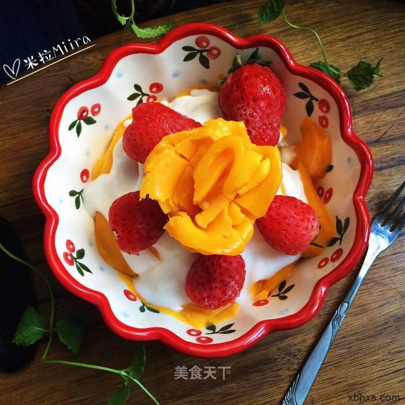 冻水果拌酸奶怎么做好吃 冻水果拌酸奶的家常做法