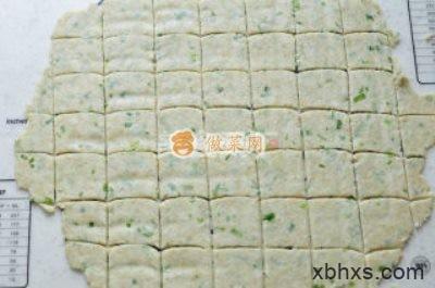 家常燕麦葱香苏打饼干的做法 燕麦葱香苏打饼干怎么做好吃