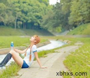 尿液喷涌而出 女生腿照片只要腿