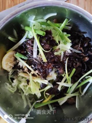 凉拌莴笋木耳最正宗的做法 家常凉拌莴笋木耳的做法